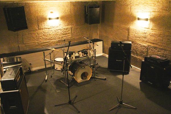 Salle 2 des studios de musique pour l'école Musique Live à sainte genevieve des bois
